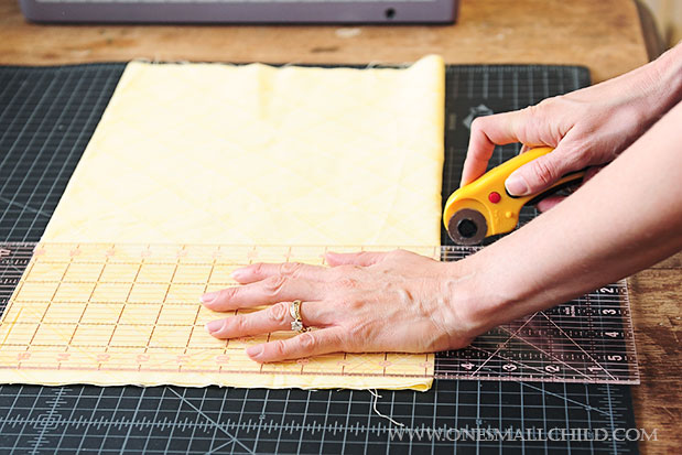 DIY No Sew Bunting Tutorial Cut Fabric Strip